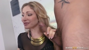 vittoria risi teaching anita bellini the right way to deepthroat huge dicks