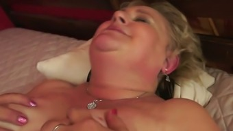 Fat granny with hairy pussy is having kinky missionary style sex