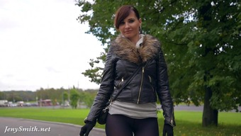 Jeny Smith pantyhose flashing in public park. bubble butt and public flashing