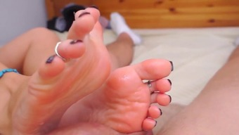 Footjob with perfect toes