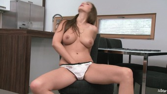 Connie Carter plays with her beautiful pussy in amazing solo scene