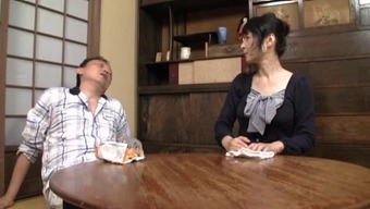 Mature Japanese lady of the house plays with herself