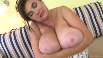 Solo stripping BBW slut gets out her toys and plays