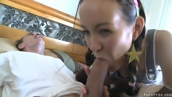 Petite Asian babe fuck with an old men