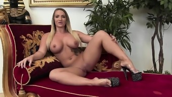Sexy Callie Cyprus likes to