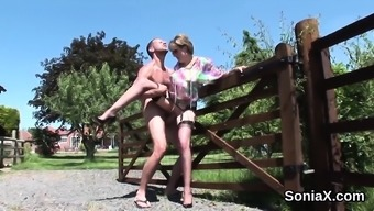 Adulterous uk milf lady sonia shows off her heavy hooters