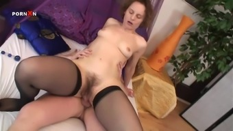 Mature bitch gets her hairy cunt pounded