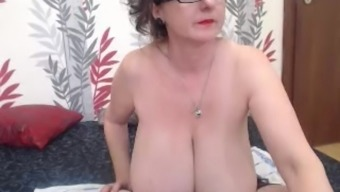 Granny with perfect hangers