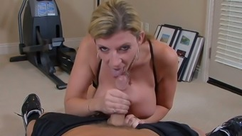 Hot MILF Sara Jay is every bit of the word PAWG and she loves to ride a dick