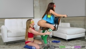 Pussylicked petite drilled in threesome