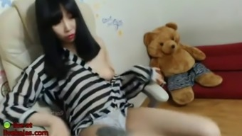 korean sexy camgirl fucking her hairy pussy