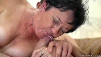 Lucky granny Hettie gets her tight cunt banged by a naughty friend