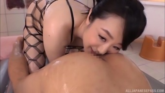 Sucking every inch of a fat dick is enough to satisfy Kudou Naomi