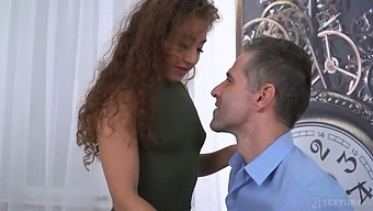 Curly chick Melody Petite gives a deepthroat blowjob and gets a mouthful of cum