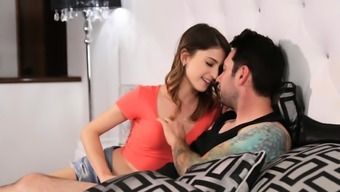 Stepdaughter teen is madly in love with her stepdad