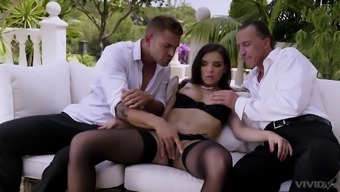 Outdoor classy MMF threesome with Henessy taking big loads in mouth