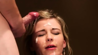 Frisky beauty gets cum load on her face swallowing al89vyy