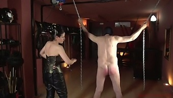 Submissive dude is punished by kinky mistress Patricia MedicalySado
