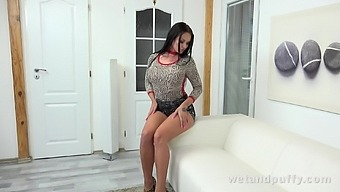 Sex-crazy bitch Isabel Dark is pumping pussy and playing with favorite sex toy