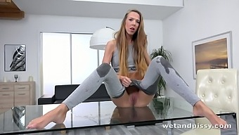 This slim vixen loves peeing in her tight grey pants and she's so sexy