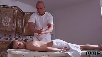 Big titty girl Suzie gets her anus fucked on the massage table