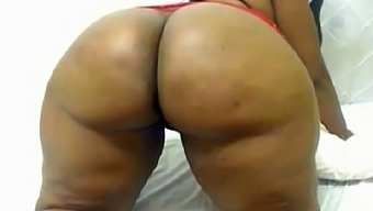 African BBW cam model has one of the biggest and round ass