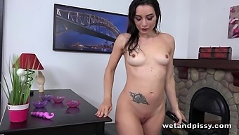 Valentina Bianco in Drinking and Drenching at PuffyNetwork
